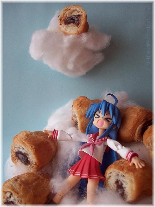 figma lying star cloud clouds funny konata izumi max_factory lucky izumi_konata choco lucky☆star asai_(apsy)_masaki choco_coronet heaven coronet