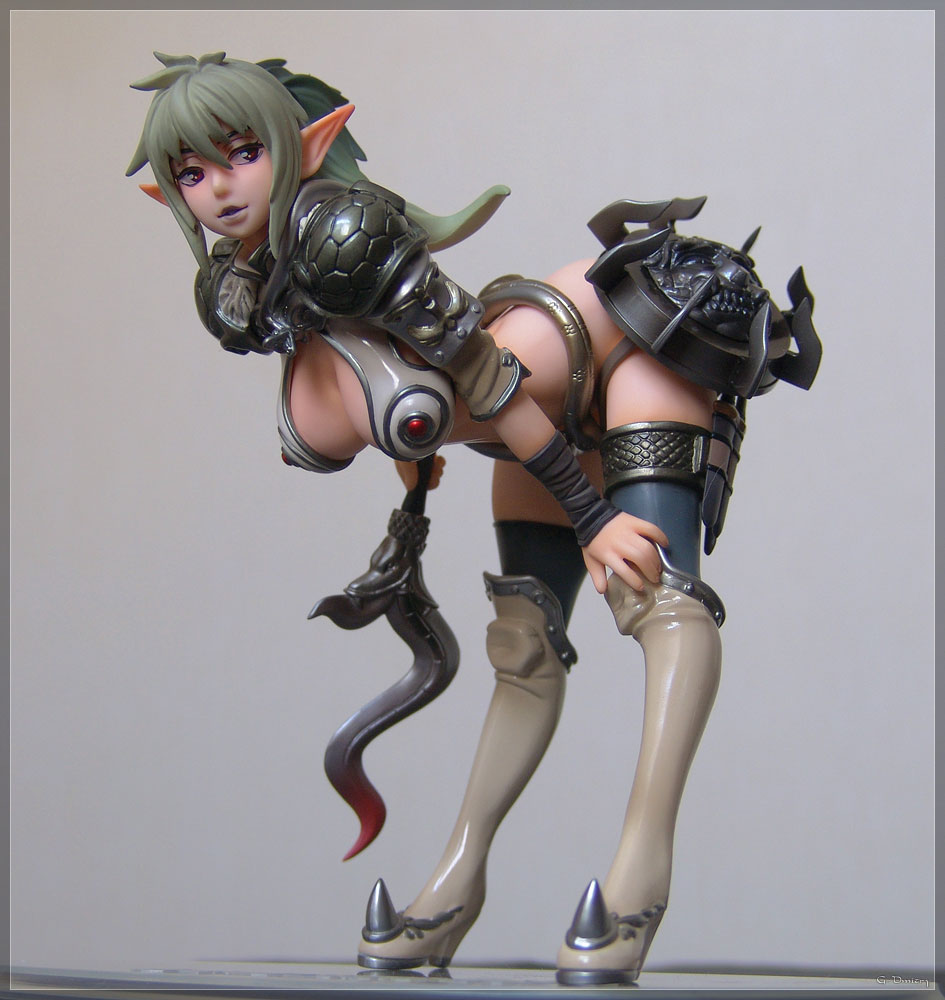 ponytail wide_hips large_breasts weapons sexy_pose mercenaries queen's_blade echidna lining_forward special_edition elven_ears