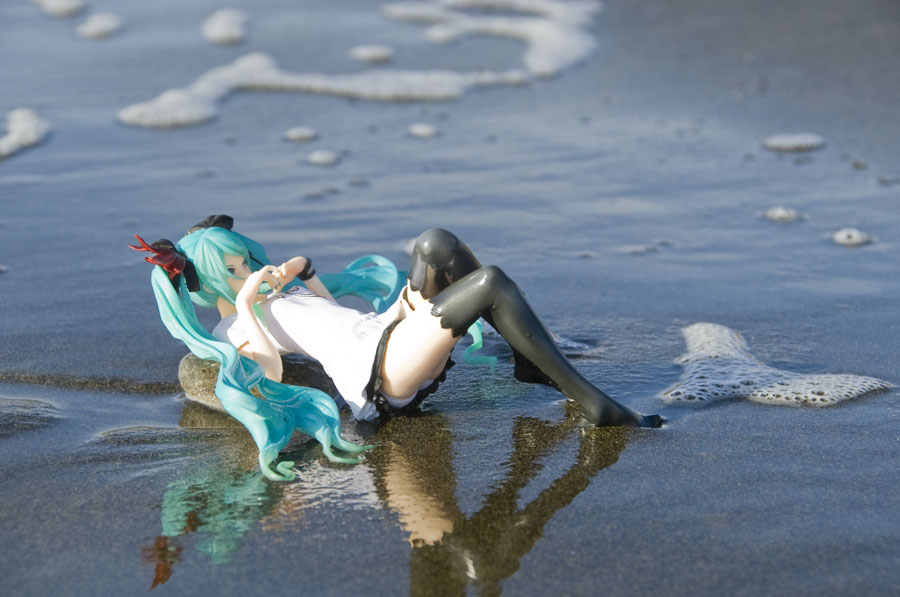 vocaloid water beach ocean reflection