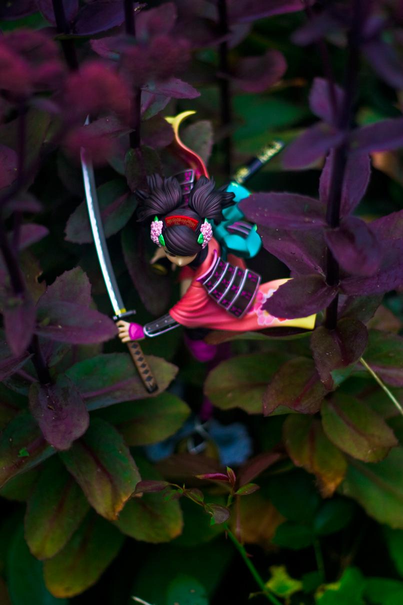 katana running sword alter momohime trees