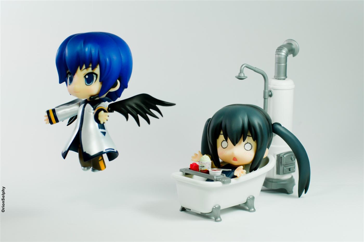 vocaloid angel nendoroid saint toy kaito ryuk fly death nakano_azusa sony jfigure lightroom yoshica bikeh