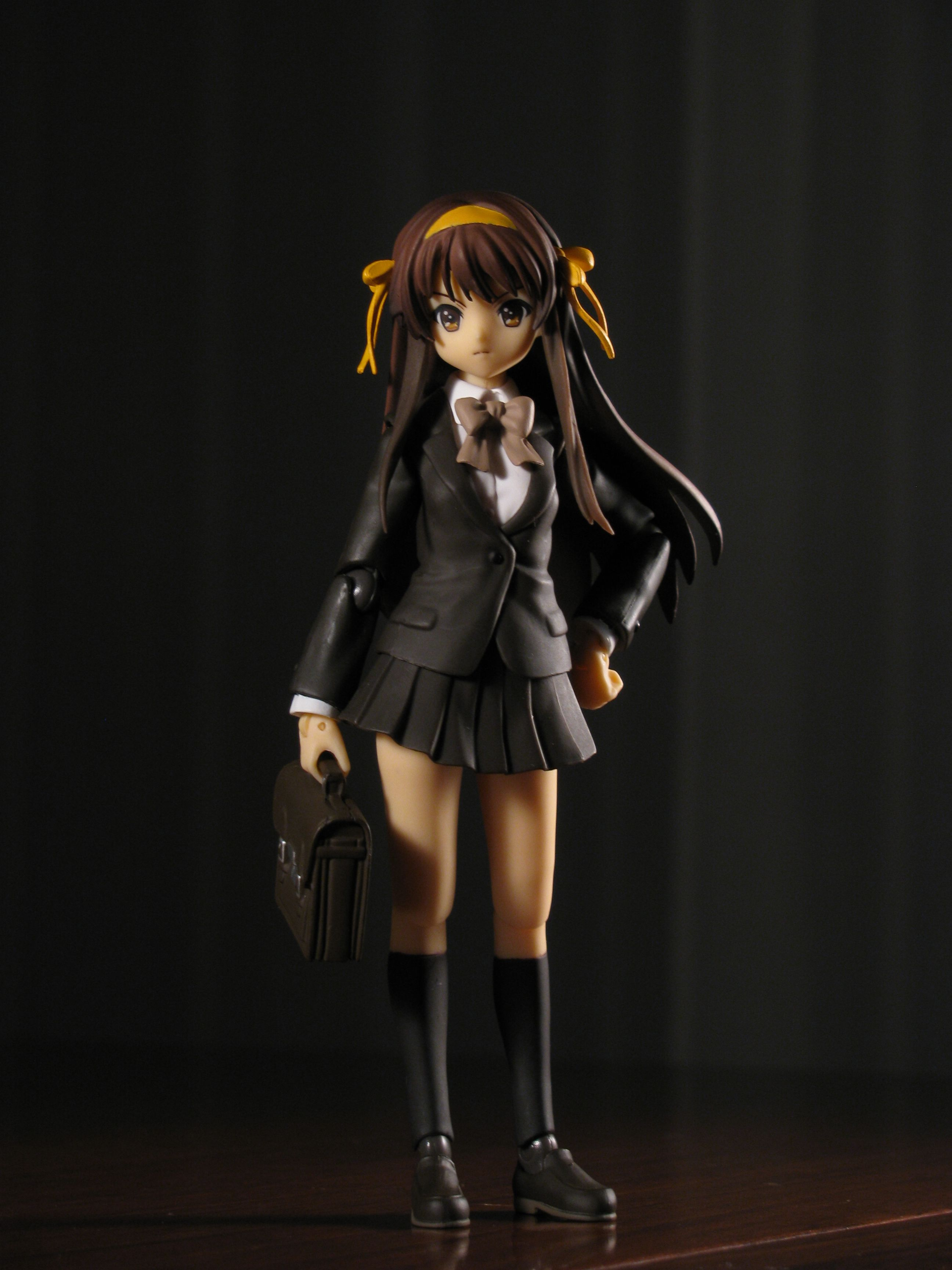figma school_uniform school_bag black_dress black_skirt long_hair max_factory suzumiya_haruhi