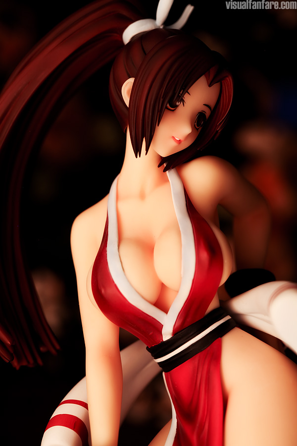 ponytail ninja wide_hips large_breasts kunoichi sexy_pose female brown_hair large_eyes
