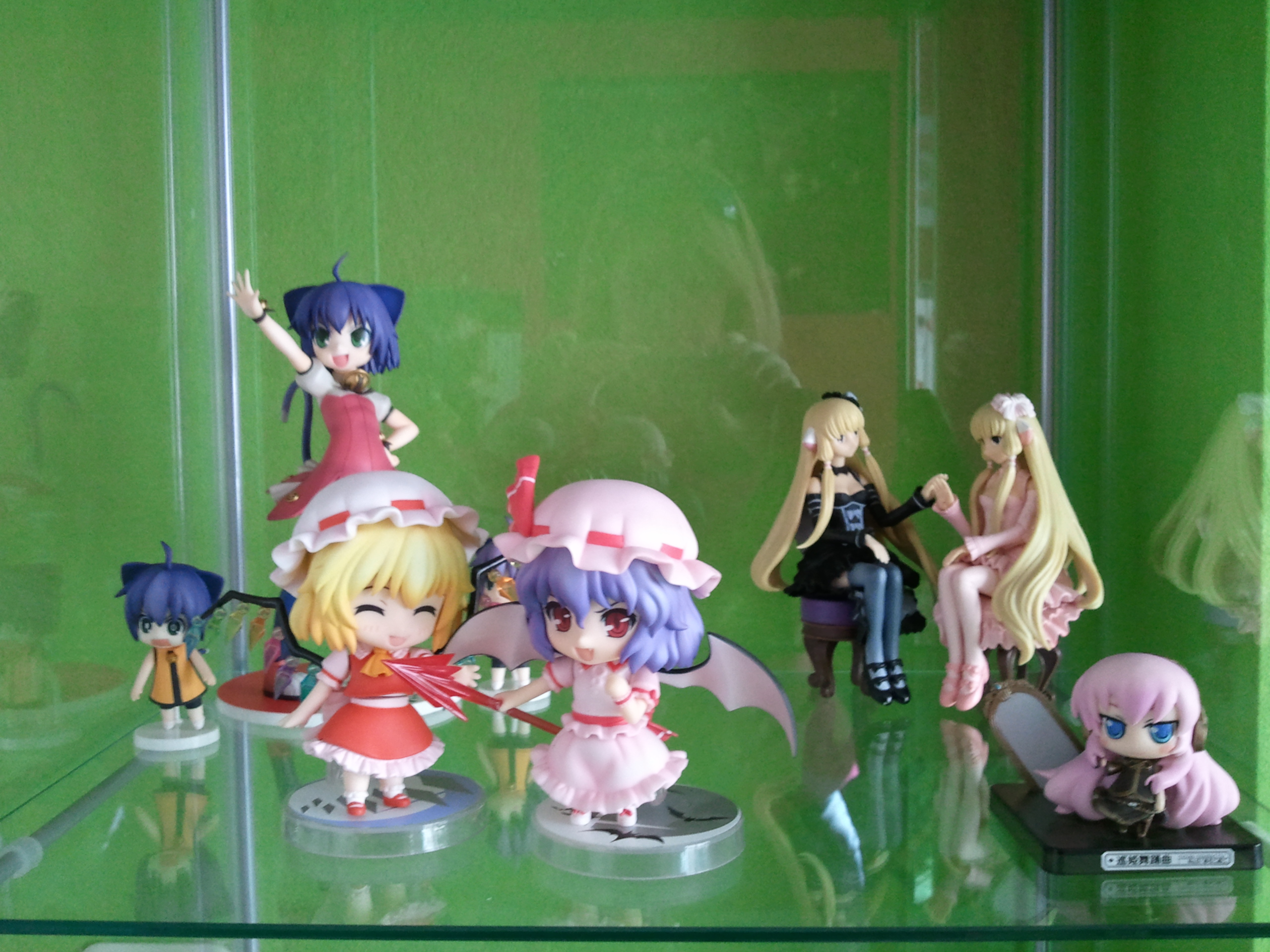 exclusive vocaloid nendoroid_petit sega chii touhou_project nendoroid chobits megurine_luka freya good_smile_company project scarlet remilia flandre dark_chii 1/8 black_party_dress kyouran_kazoku_nikki midarezaki_kyouka michiko pink_party_dress vignetteum_cute