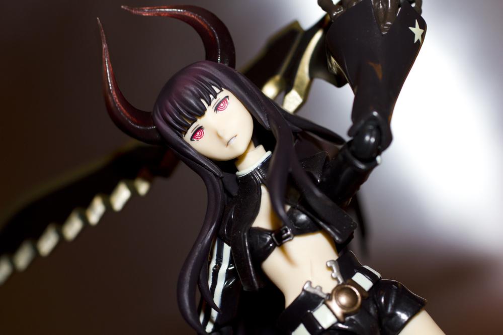 figma max_factory black_★_rock_shooter black_★_gold_saw