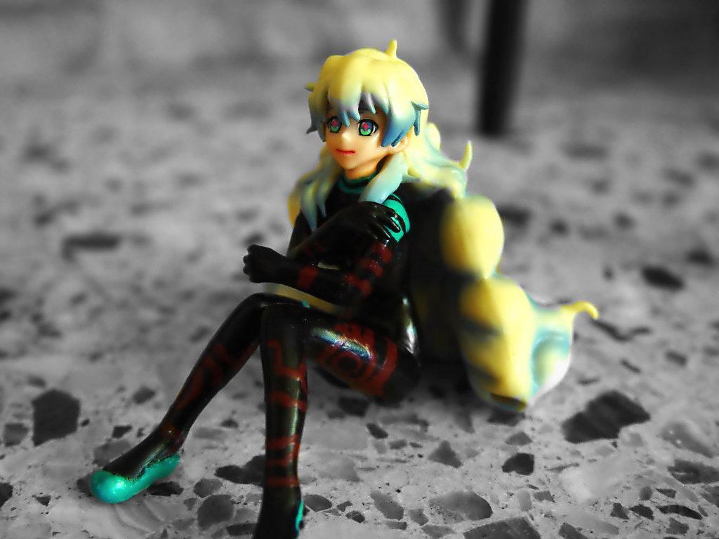 blond_hair sitting plugsuit bodysuit two-tone_hair black_clothes curly_hair blue_shoes custom bandai nia_teppelin trading_figure tengen_toppa_gurren-lagann takashi_tamotsu chouzokei_damashii