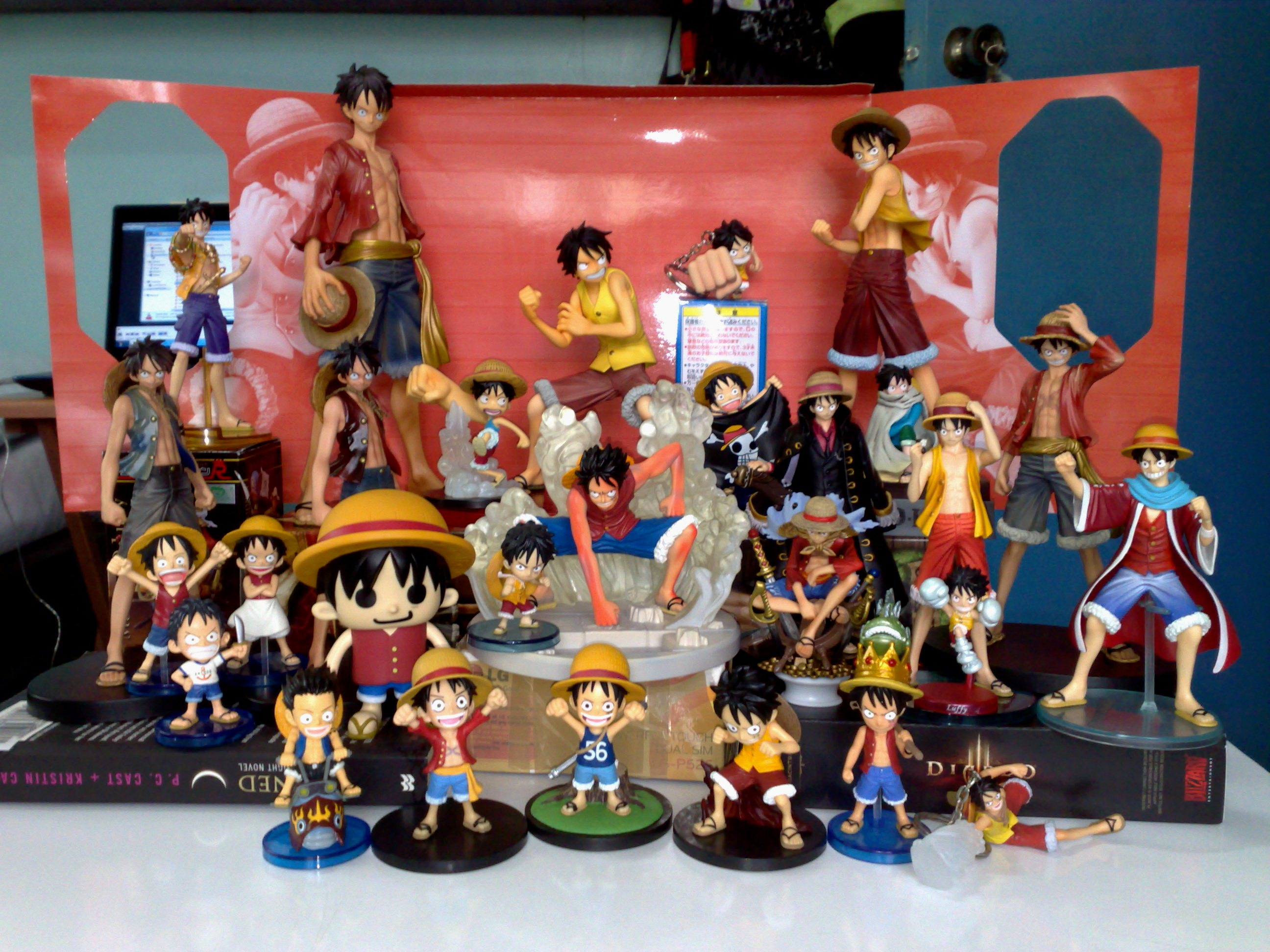 megahouse one_piece banpresto monkey_d._luffy bandai world_collectable_figure ichiban_kuji strawhat_luffy oda_eiichiro portrait_of_pirates_dx attm master_stars_piece the_grandline_men one_piece_film:_strong_world ichiban_kuji_one_piece_opening_a_new_era pansonworks ichiban_kuji_one_piece_~marineford_saishuu_kessen_hen~ ichiban_kuji_one_piece_~marineford_hen~ kengo_iida ichiban_kuji_one_piece_romance_dawn_for_the_new_world_first_part chess_piece_collection_r_one_piece_vol.1 one_piece_world_collectable_figure_vol.6 one_piece_world_collectable_figure_vol.7 one_piece_world_collectable_figure_vol.8 one_piece_world_collectable_figure_vol.9 one_piece_world_collectable_figure_vol.10 one_piece_world_collectable_figure_vol.19