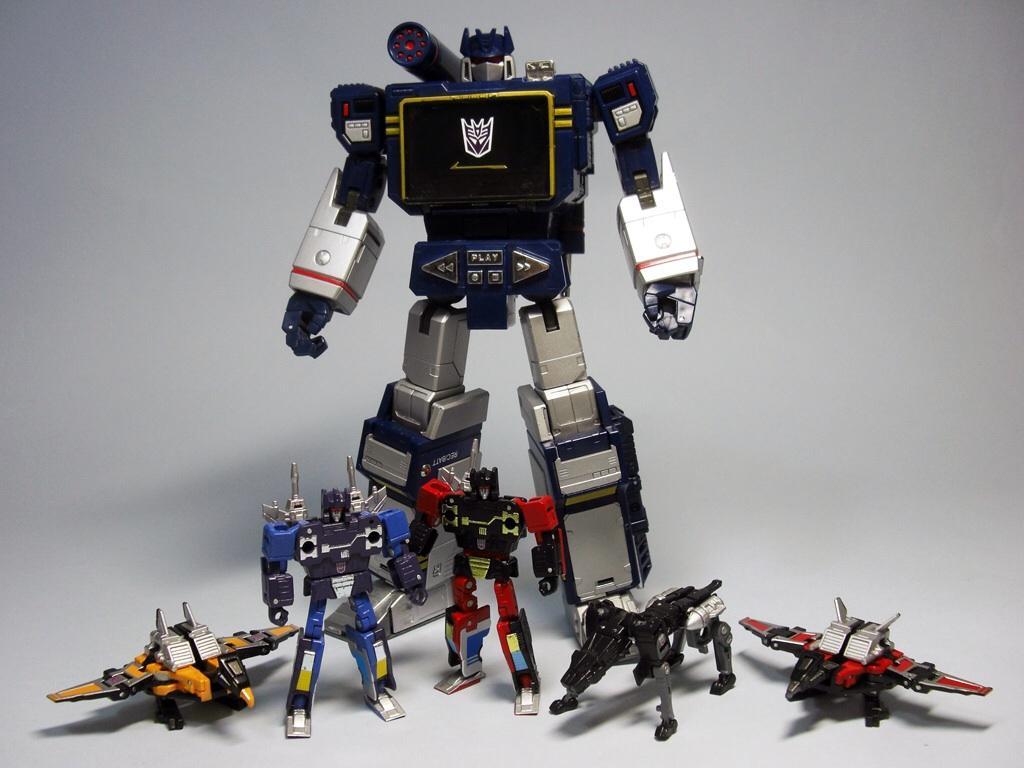 transformers rumble soundwave takara_tomy transformers_masterpiece jaguar frenzy buzzsaw