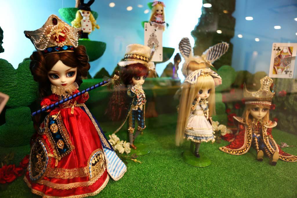pullip alice dal little_pullip jun_planning fushigi_no_kuni_no_alice groove cheonsang_cheonha march_hare little_dal isul pullip_(line)