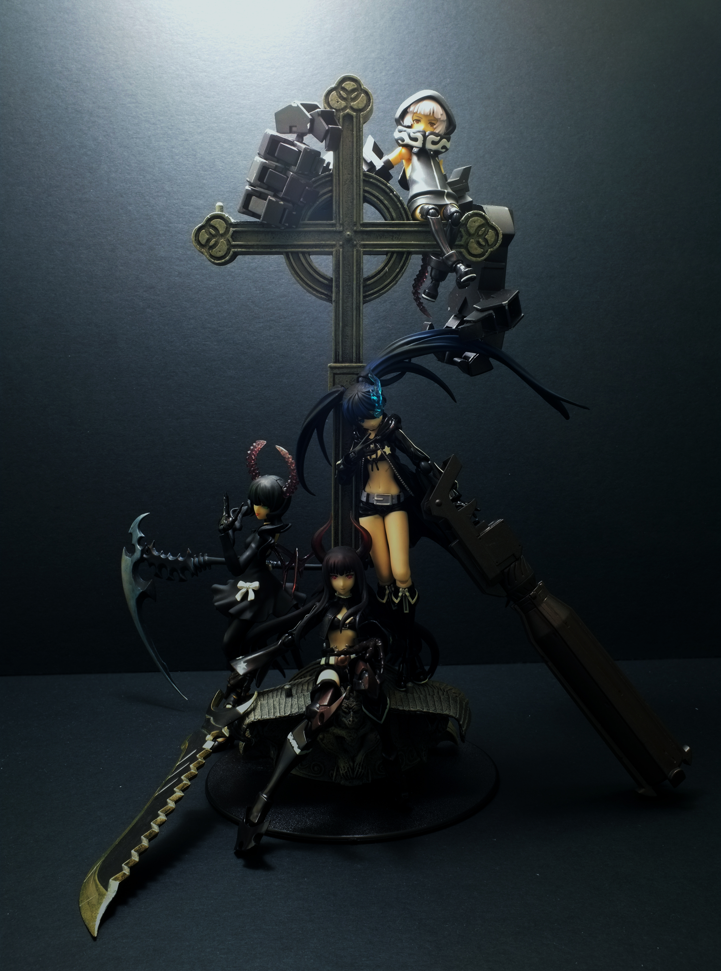 figma huke max_factory dead_master strength asai_(apsy)_masaki black_★_rock_shooter black_★_gold_saw