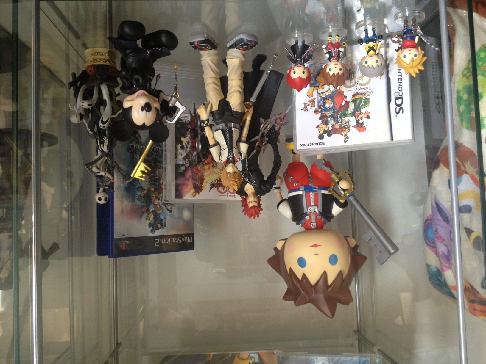 kotobukiya square_enix play_arts trading_arts riku kingdom_hearts formation_arts sora cloud_strife roxas jack_skellington kingdom_hearts_ii static_arts ooparts axel ds_game nomura_tetsuya king_mickey kingdom_hearts_coded the_walt_disney_company ps2_game kingdom_hearts_358/2_days disney_interactive_studios kingdom_hearts_formation_arts_vol._1 kingdom_hearts_play_arts kingdom_hearts_ii_play_arts buena_vista_games kingdom_hearts_re:_coded