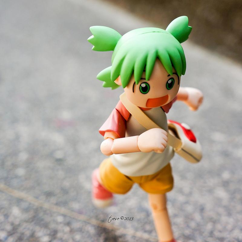revoltech running kaiyodo koiwai_yotsuba enoki_tomohide organic azuma_kiyohiko yotsuba&! alley