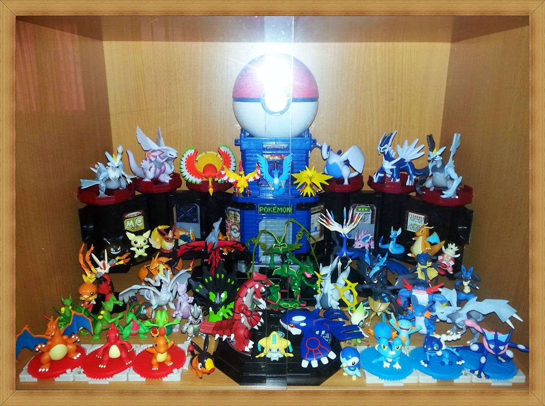 nintendo monster_collection pocket_monsters lugia arceus lizardon dialga takara_tomy palkia achamo pokabu hitokage reshiram lizardo houou zekrom lucario kairyu groudon kyurem black_kyurem white_kyurem game_freak kyogre laglarge juptile jukain rayquaza hyper_size_monster_collection super_size_monster_collection pocket_monsters_best_wishes! creatures_inc. zygarde