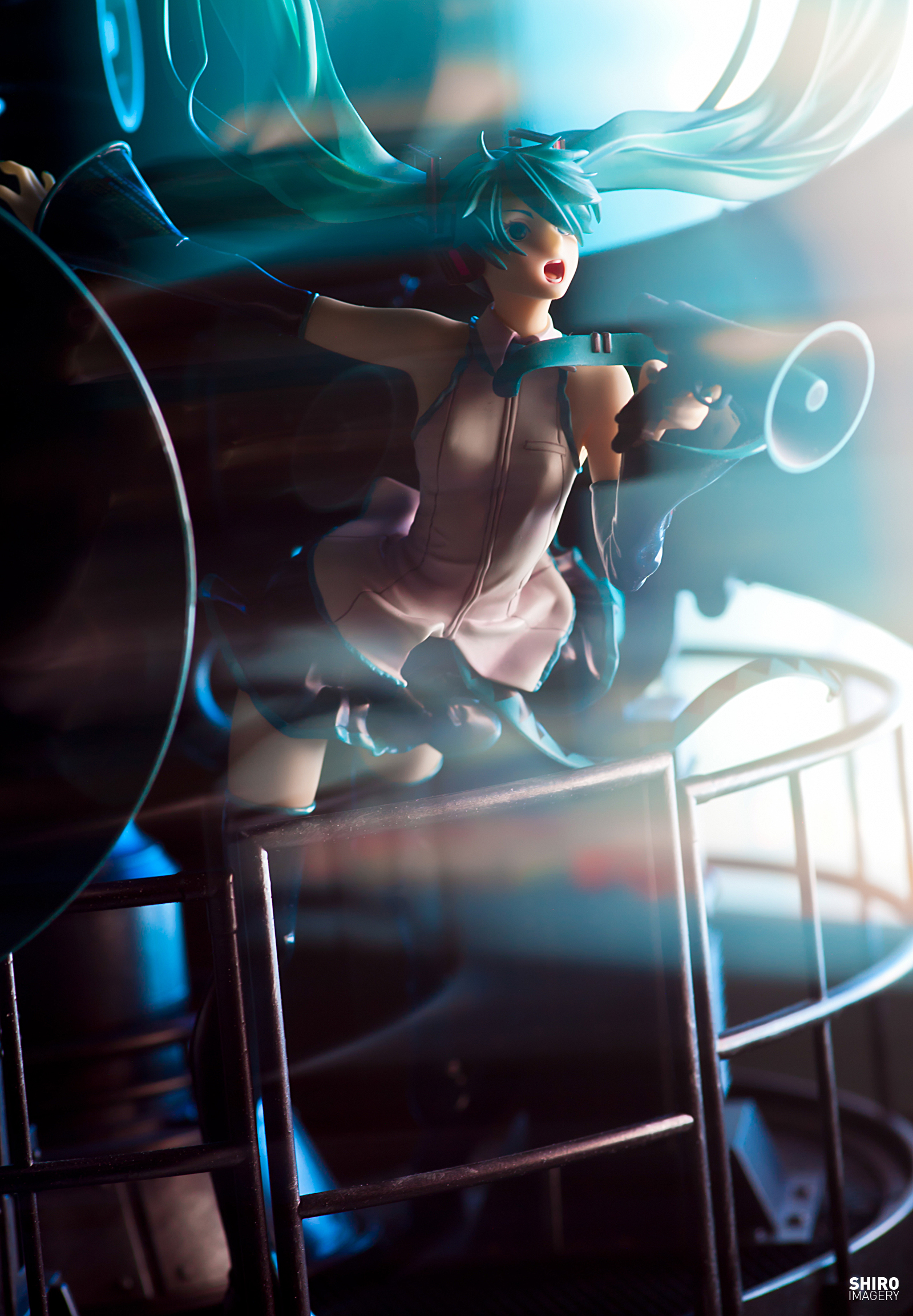 vocaloid detached_sleeves elaborate_base cyan_hair blue_eyes aqua_hair hatsune_miku good_smile_company aqua_eyes 1/8 based_on_artwork dynamic_pose miwa_shirou 2012 iwanaga_sakurako female,