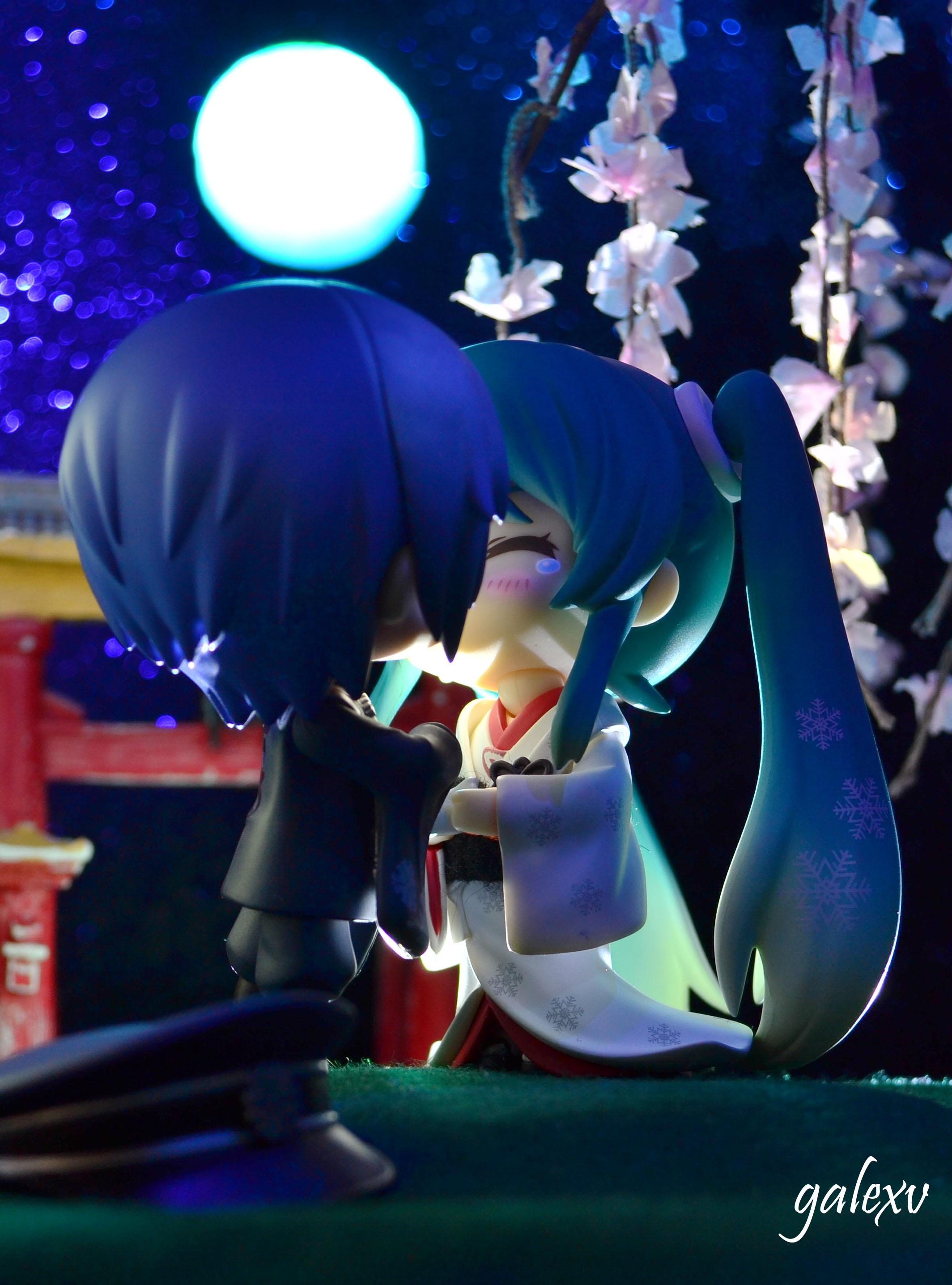 vocaloid moon nendoroid kiss kaito hatsune_miku good_smile_company nendoron crypton_future_media shichibee whiteflame itto_maru nishibu_hidetoshi