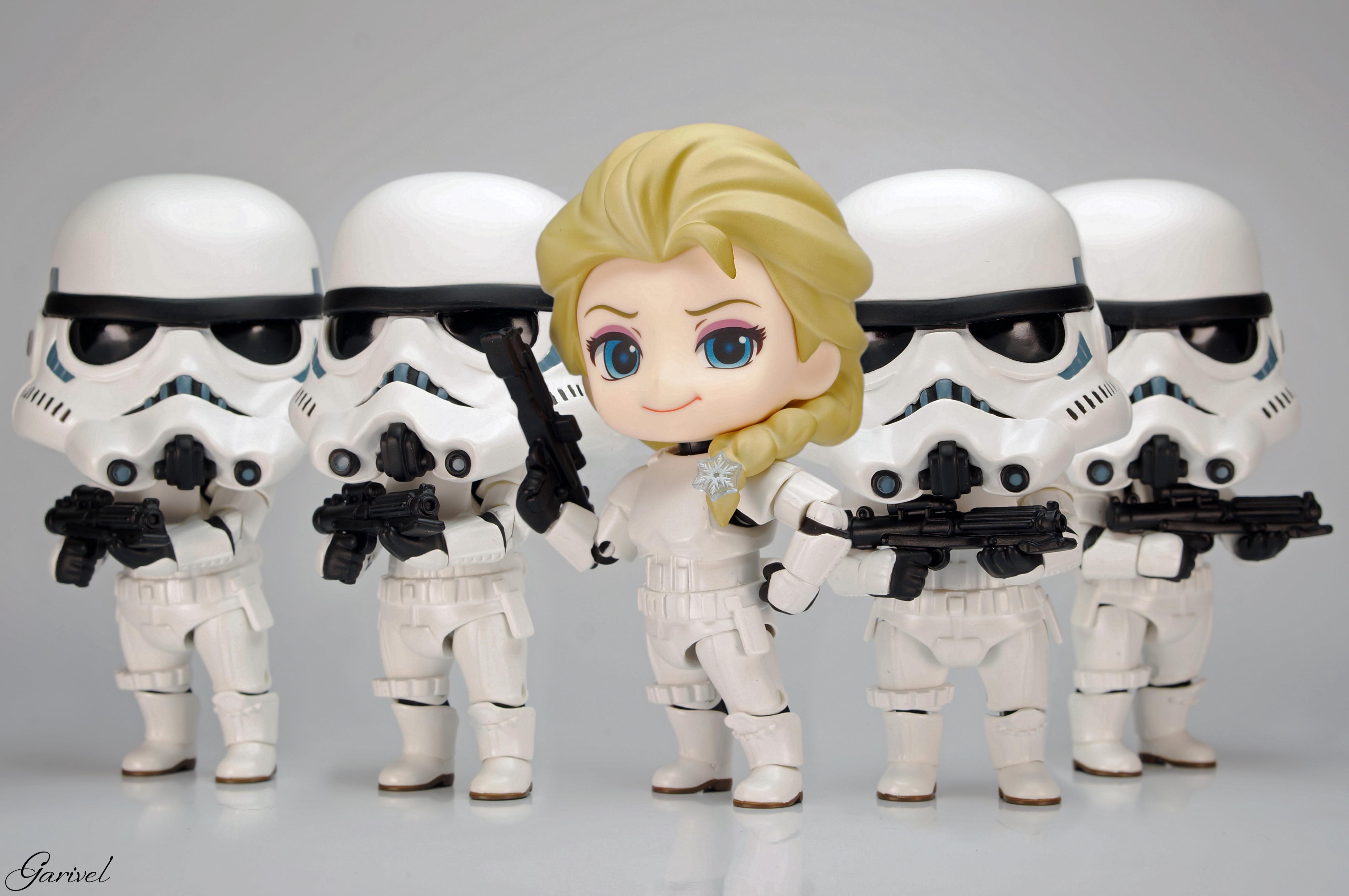 nendoroid good_smile_company star_wars frozen stormtrooper nendoron the_walt_disney_company lucasfilm elsa matsumura_engineering katahara_itashi olaf