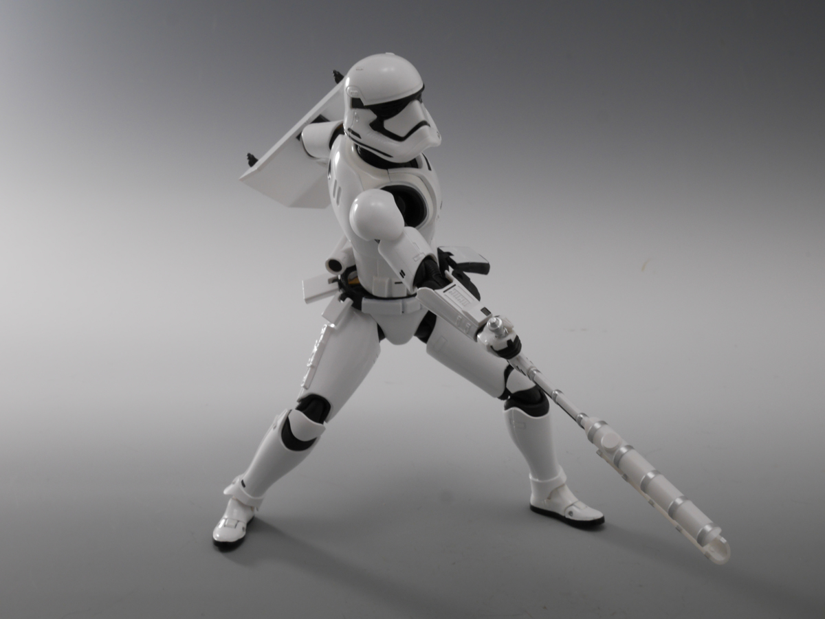 bandai s.h.figuarts lucasfilm first_order_stormtrooper star_wars:_the_force_awakens fn-2199
