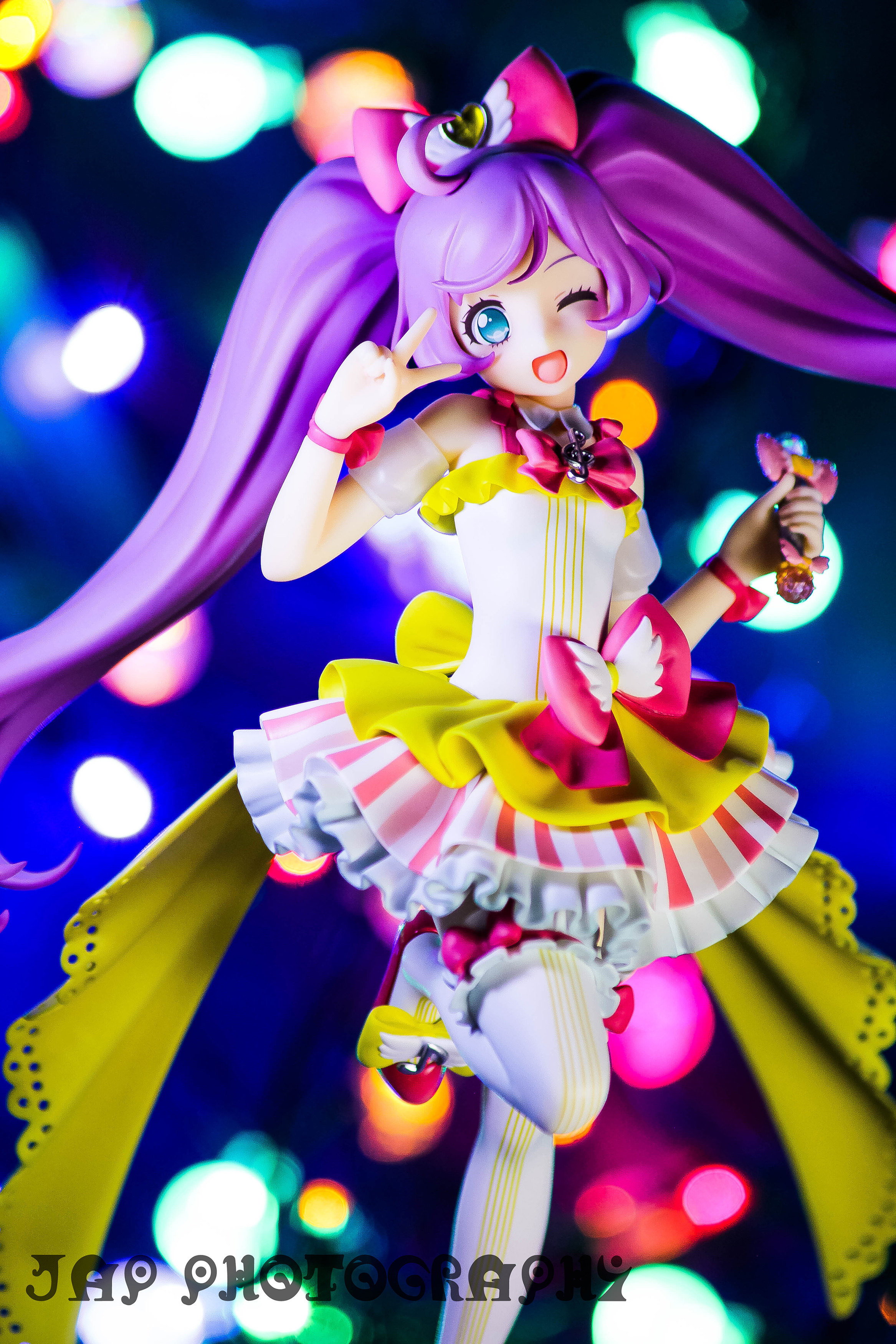 ribbon wink cyan_eyes female purple_hair good_smile_company peace_sign 1/7 takara_tomy_a.r.t.s female_figure urakawa_akinori syn_sophia pripara manaka_lala akaneya_himika kashikoma