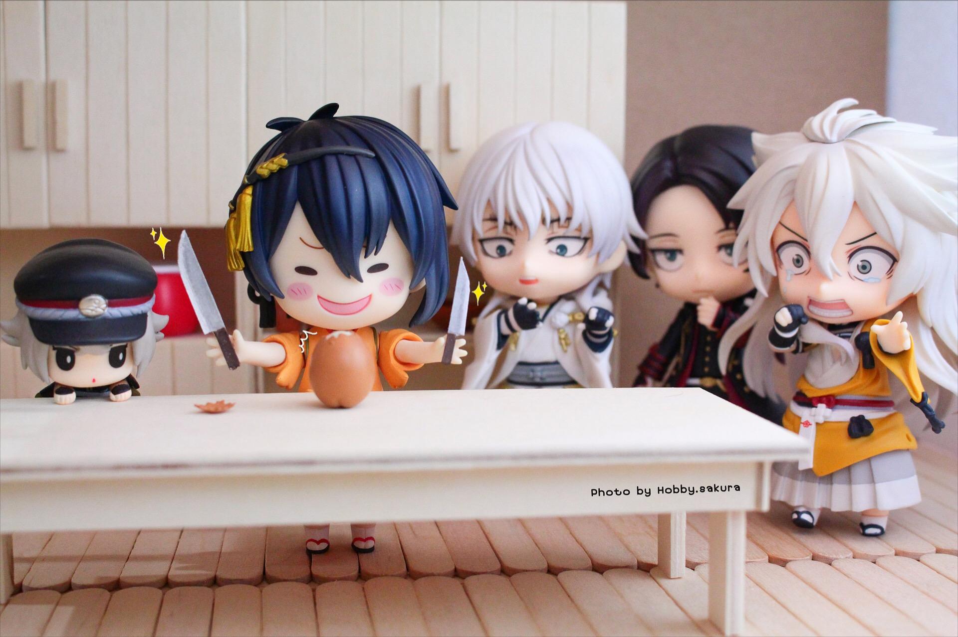 nendoroid good_smile_company nitroplus nendoron itou_reiichi furyu hanasaku_iroha matsumae_ohana sasaki_kai dmm.com kashuu_kiyomitsu mikazuki_munechika kogitsunemaru tsurumaru_kuninaga hotarumaru konnosuke touken_ranbu_-_online katanashi takahiko orange_rouge touken_ranbu_-online-_chokotto_hook_figure_petit_3