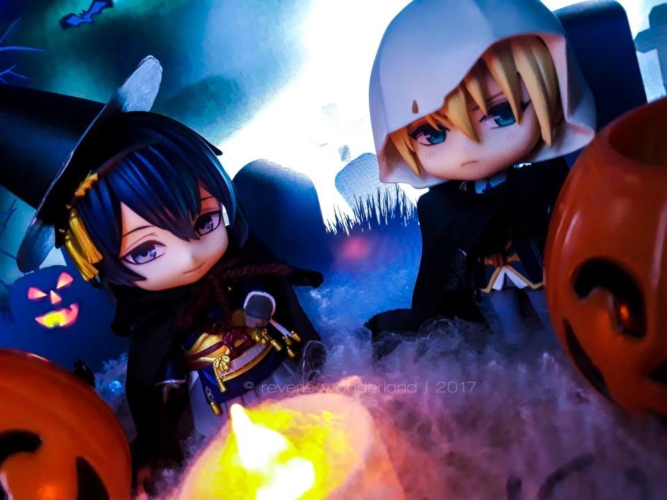 halloween nendoroid good_smile_company nitroplus nendoron sasaki_kai dmm.com potd yamanbagiri_kunihiro mikazuki_munechika touken_ranbu_-_online katanashi orange_rouge